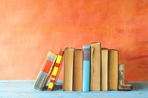 کتاب های عطف دار